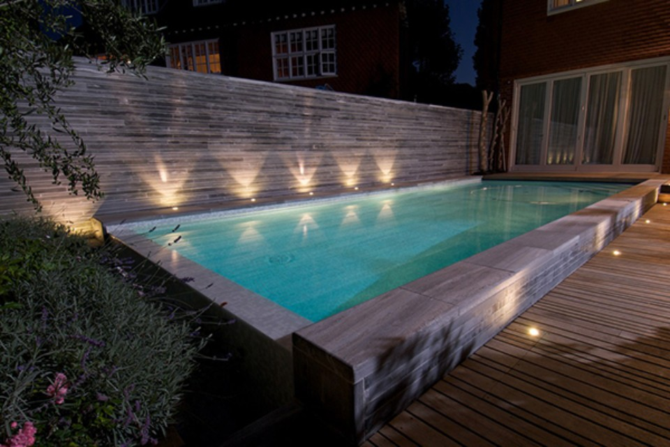 Luxury Swimming Pools In Small Spaces Guncast Pools Wellness