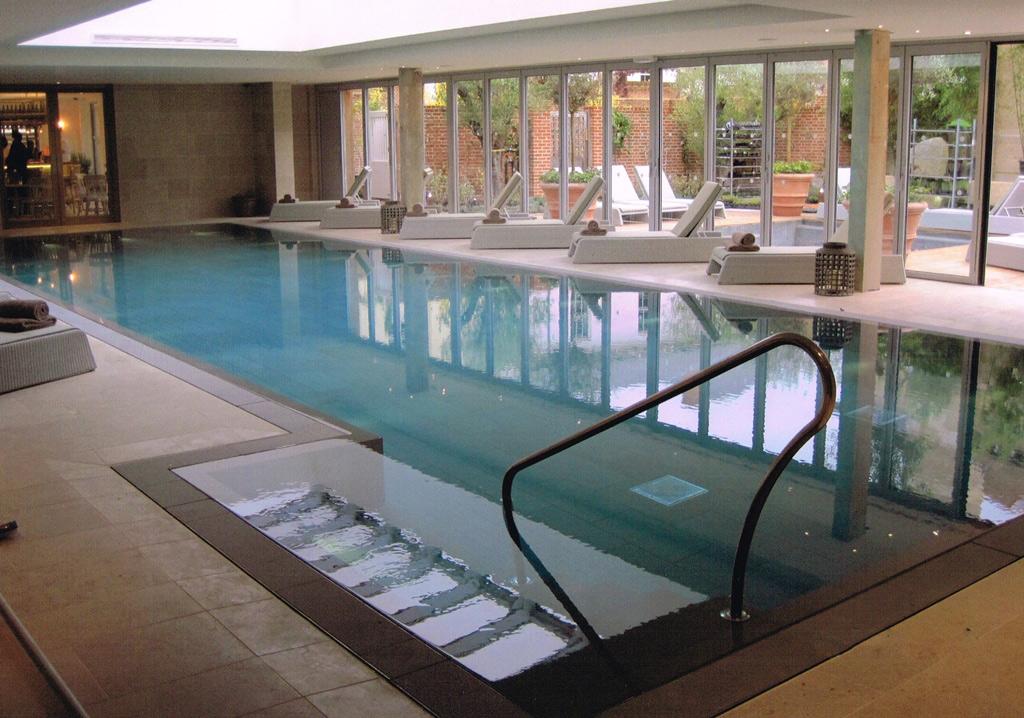Роскошные спа- и плавательный бассейны, индивидуальный проект для отеля в Дорсете