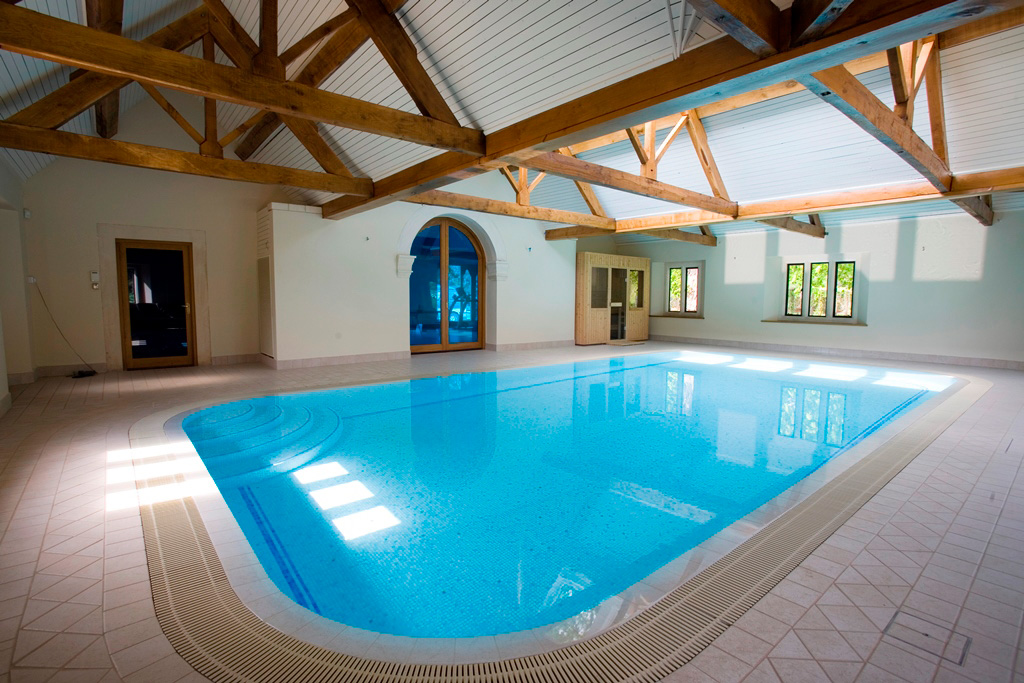 Indoor Swimming Pool and Sauna in Hampshire