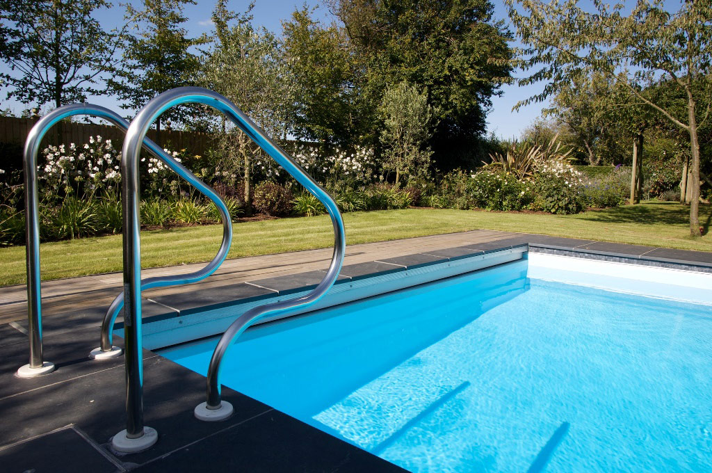 Luxury Outdoor Swimming Pool in Sussex