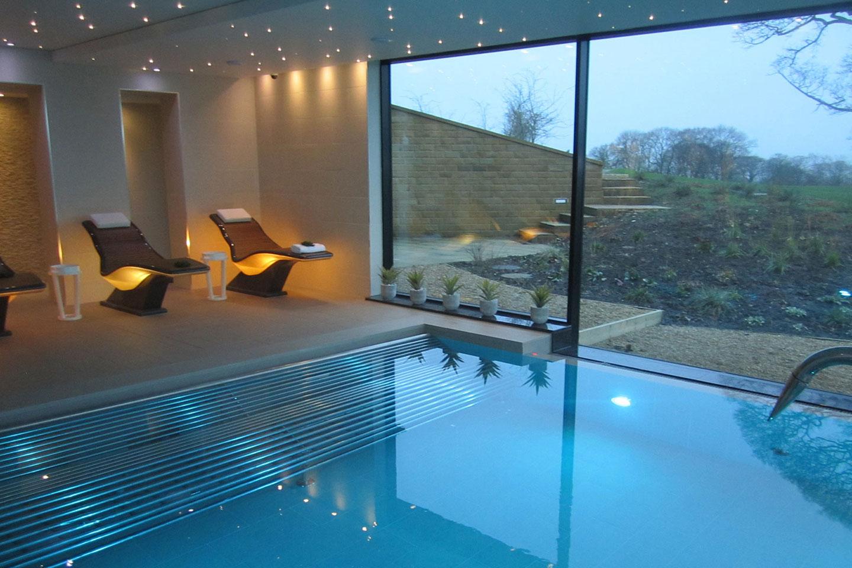 兰开夏精品酒店的活力按摩泳池