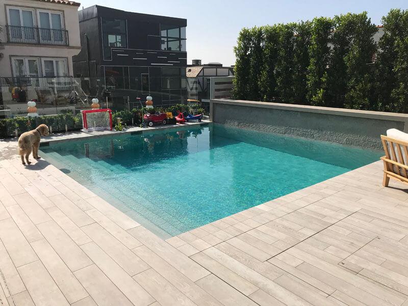 outside-moving-floor-pool