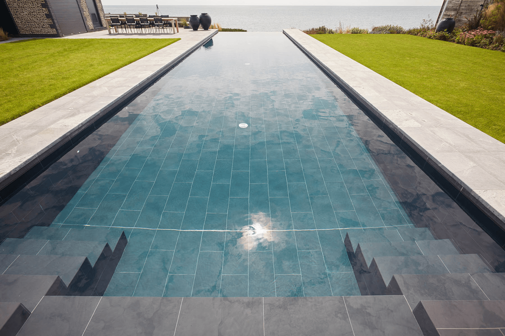 Why Choose an Infinity Edge Pool?